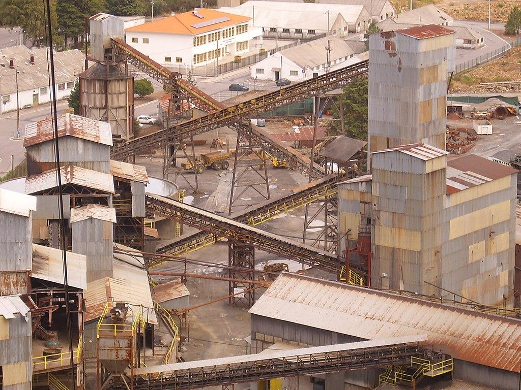 Elevado risco de crise ambiental no Cabeço do Pião