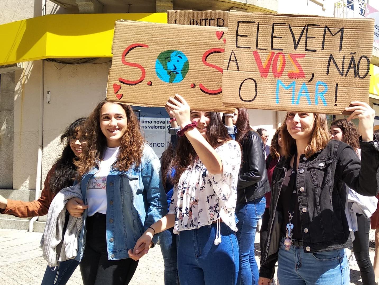 Fotogaleria | Greve Climática Estudantil no Interior