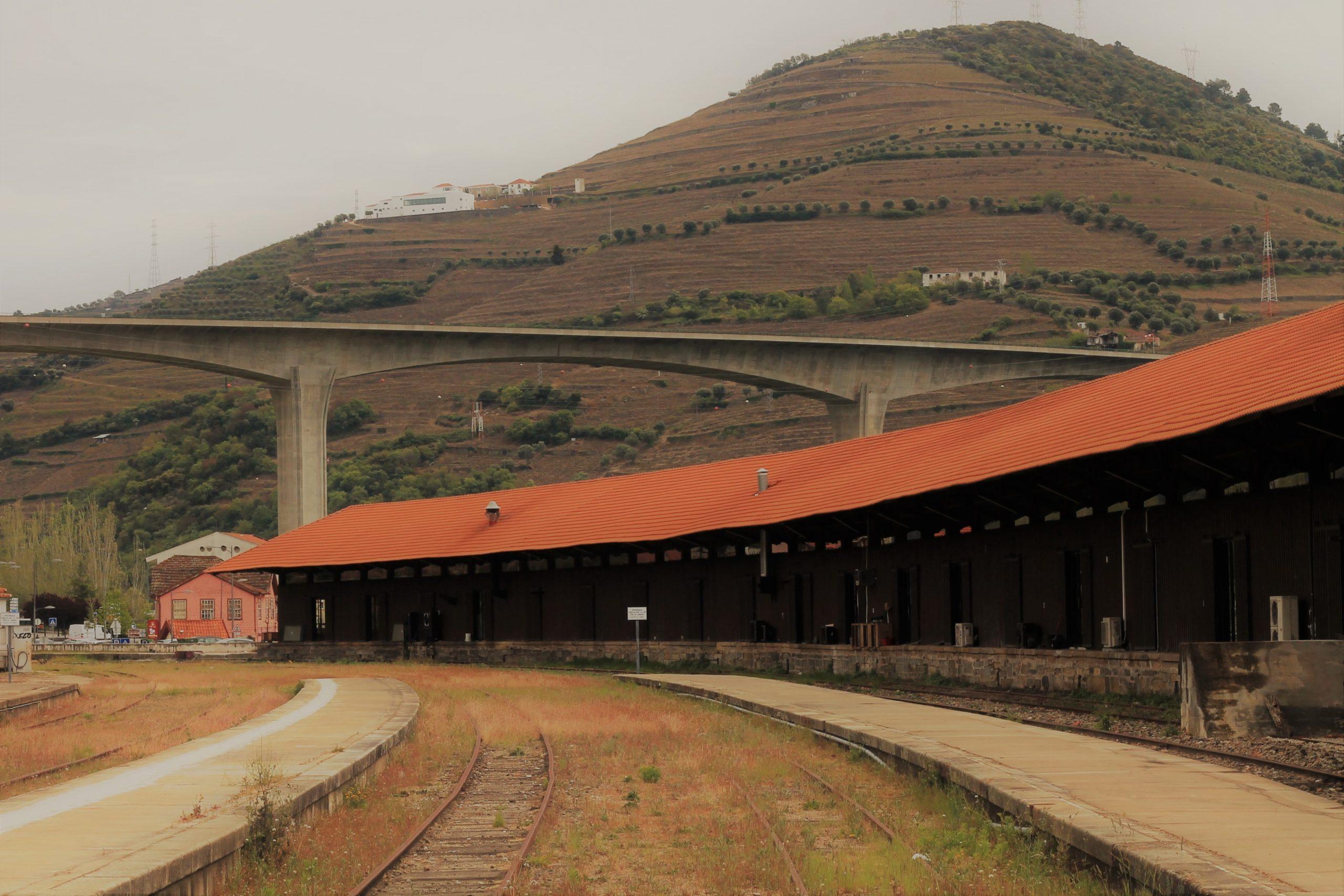 Infraestruturas de Portugal extingue quatro centros de manutenção ferroviária