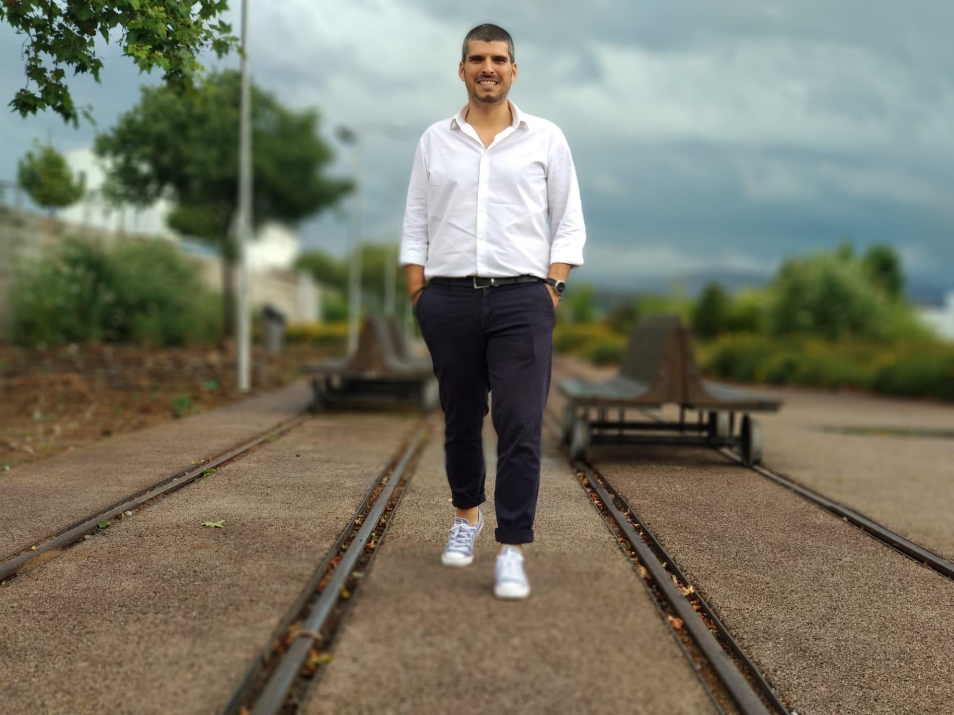 Pedro Oliveira é o candidato do BE por Bragança nas Legislativas e elege como prioridade a ferrovia no distrito