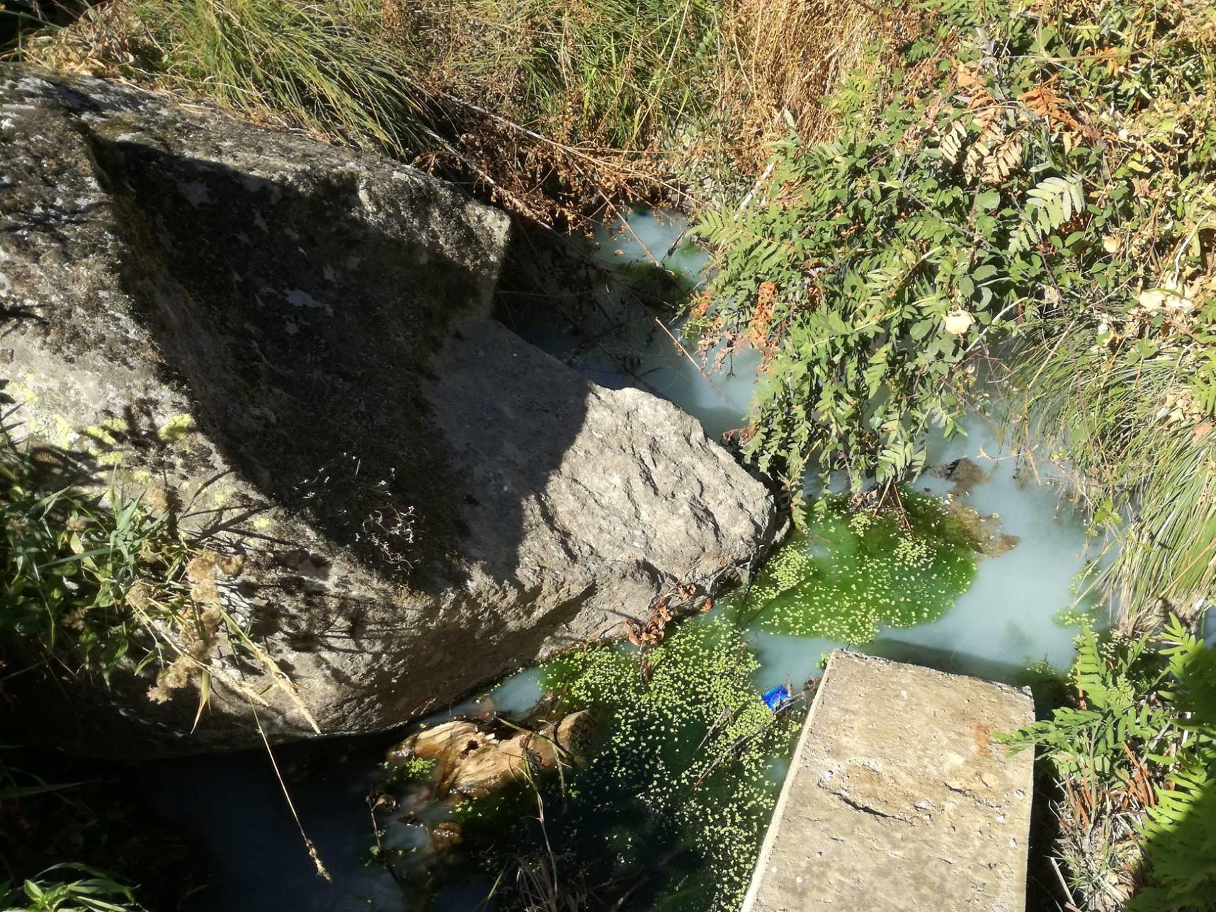 Mais descargas ilegais no rio Neto levam a novas denúncias