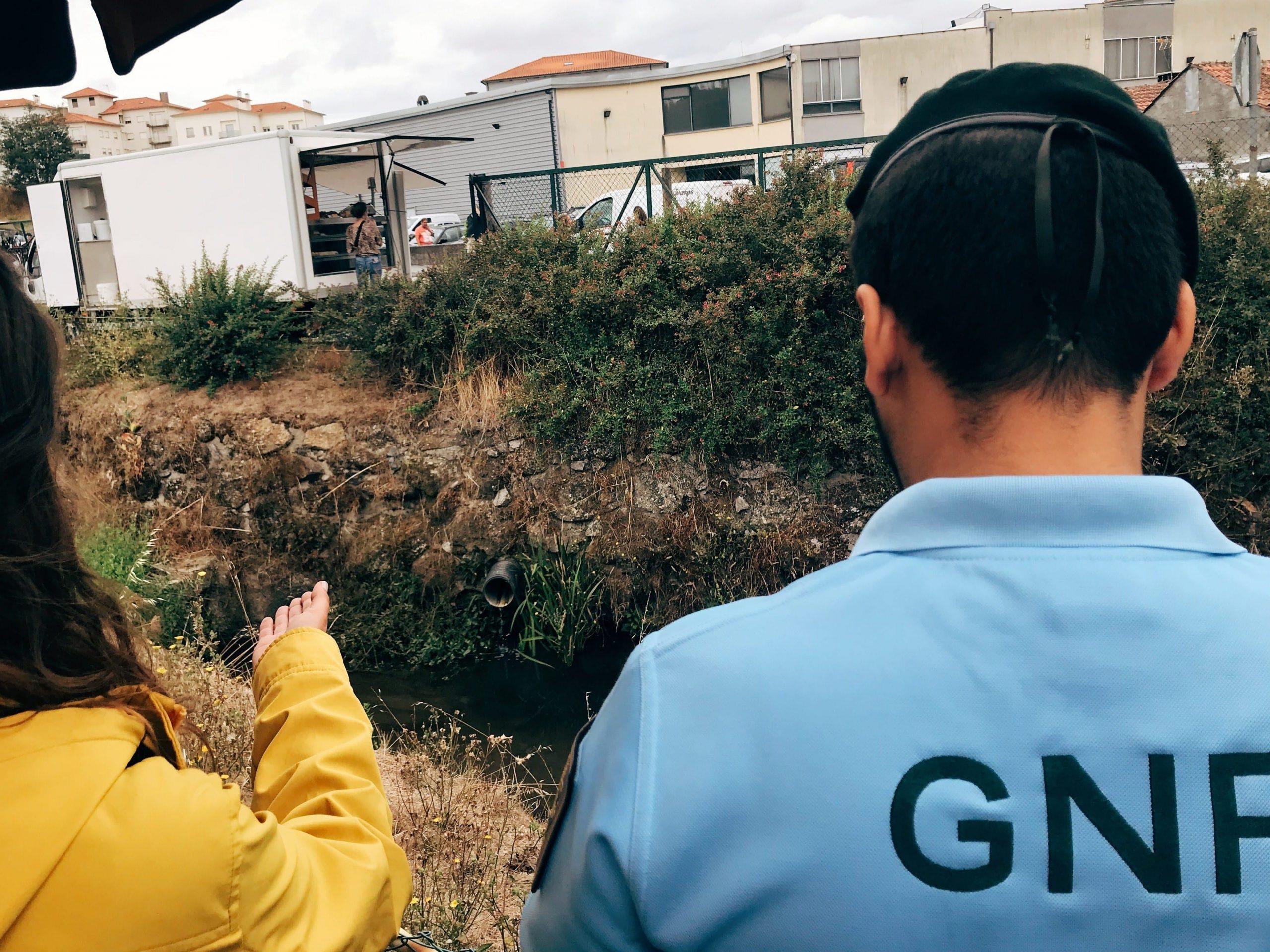 Décadas de poluição na Ribeira das Hortas em Santa Comba Dão continua sem solução