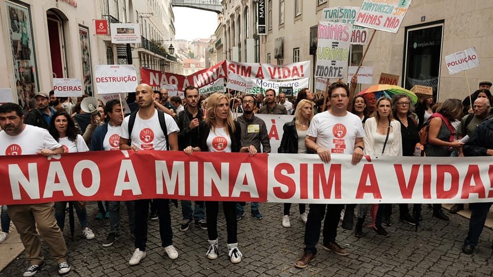 Movimentos contra a poluição das minas de lítio manifestam-se em Lisboa