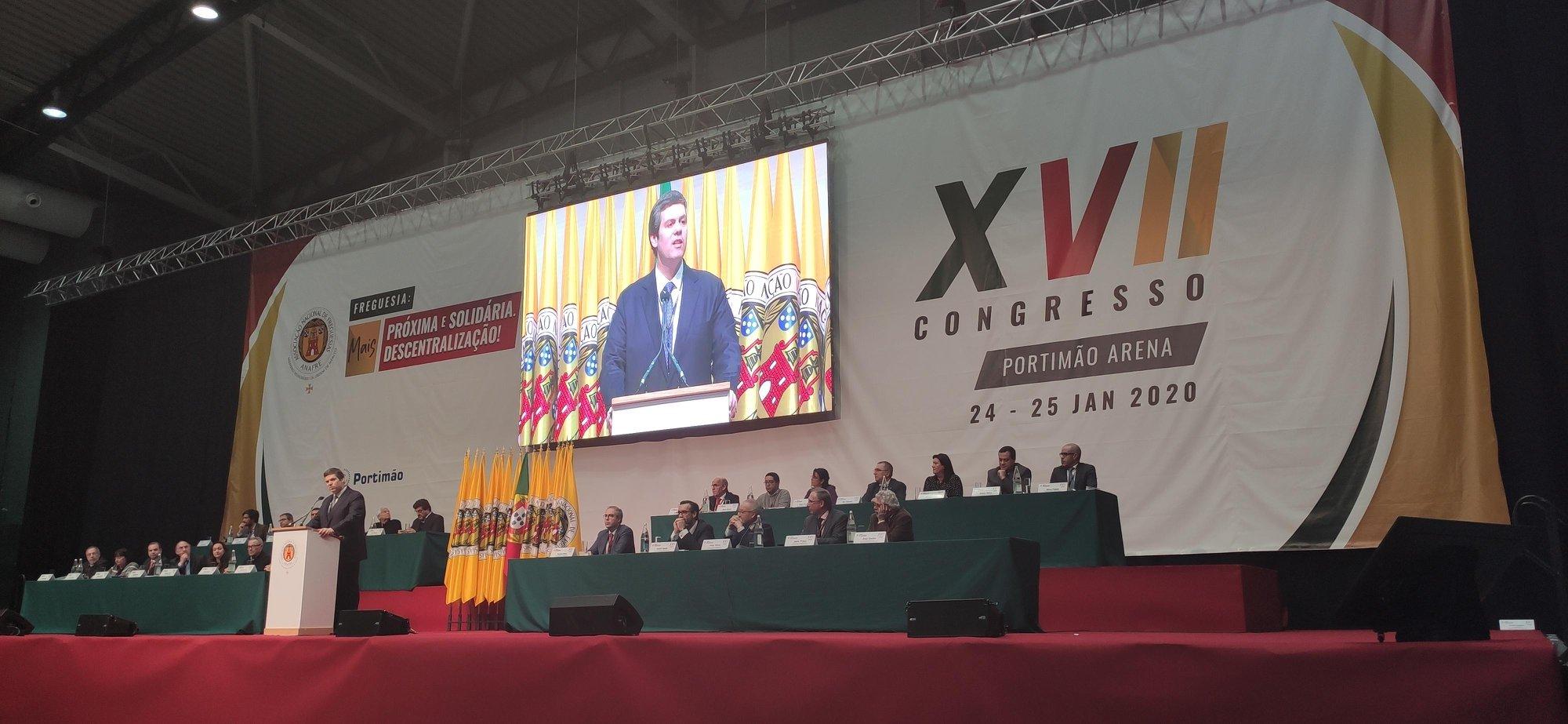 Partidos, Plataforma Nacional e ANAFRE querem reposição das freguesias