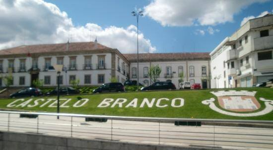 Assembleia Municipal de Castelo Branco aprova voto de repúdio pelos atos racistas no futebol