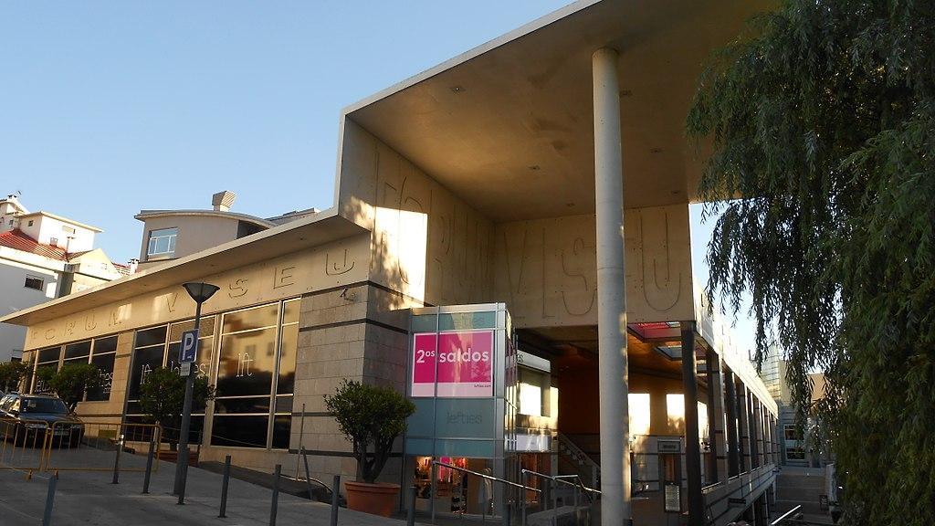 Grupo Inditex despede por todo o país apesar de lucros de milhões
