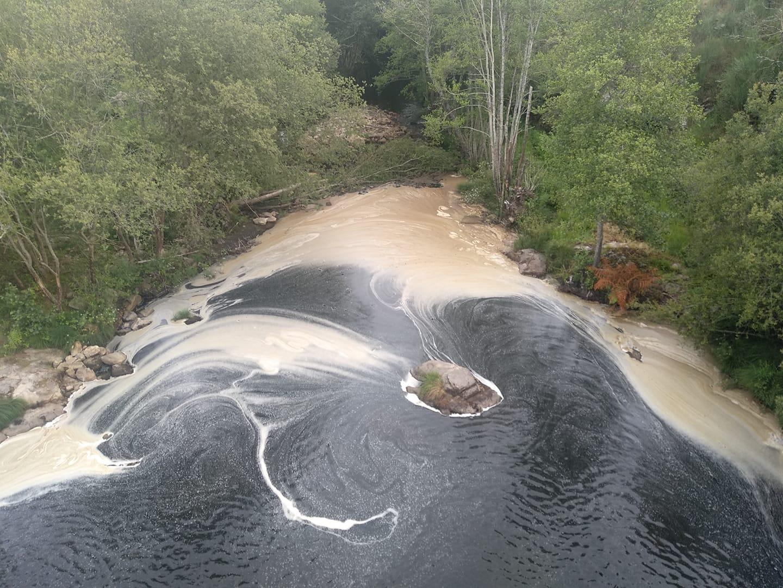Poluição na barragem das Caínhas continua envolta em polémica