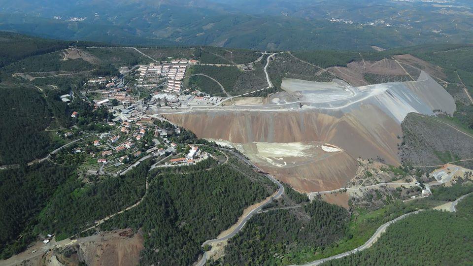 Bloco questiona Governo sobre contratos mineiros assinados em vésperas da publicação de nova lei ambiental