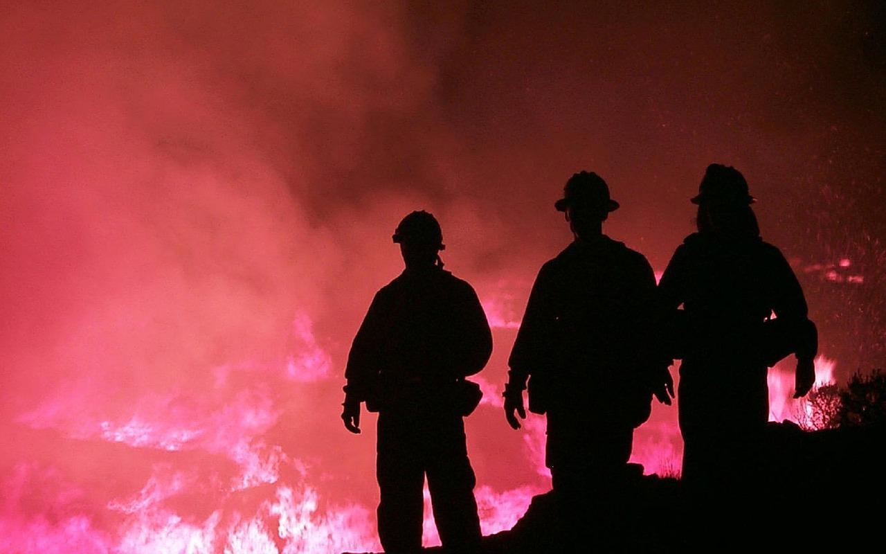 Bombeiros no combate a fogos rurais continuam sem receber pagamentos de despesas