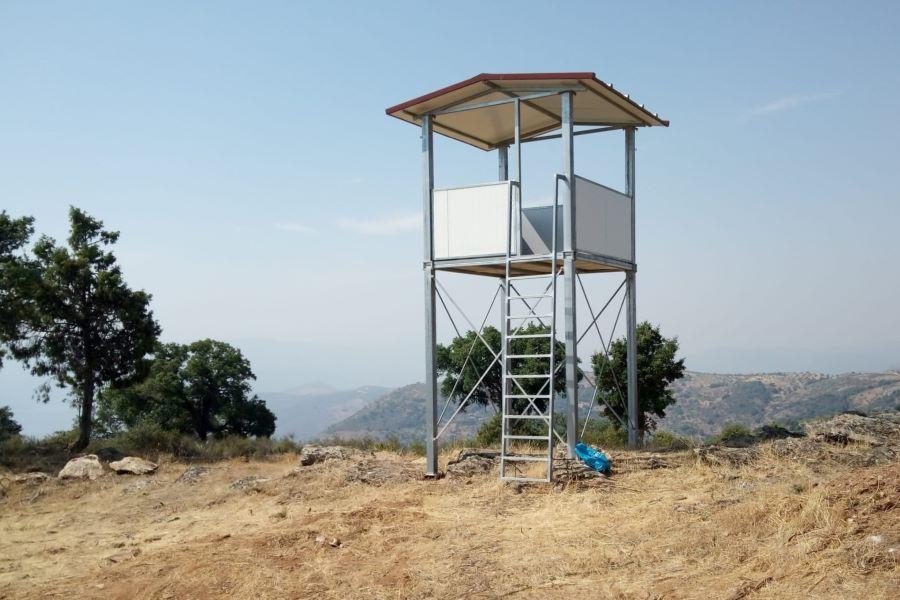 Torre de vigilância de incêndios em território do vale do rio Sabor. Fotografia Fábio Nogueira/Palombar