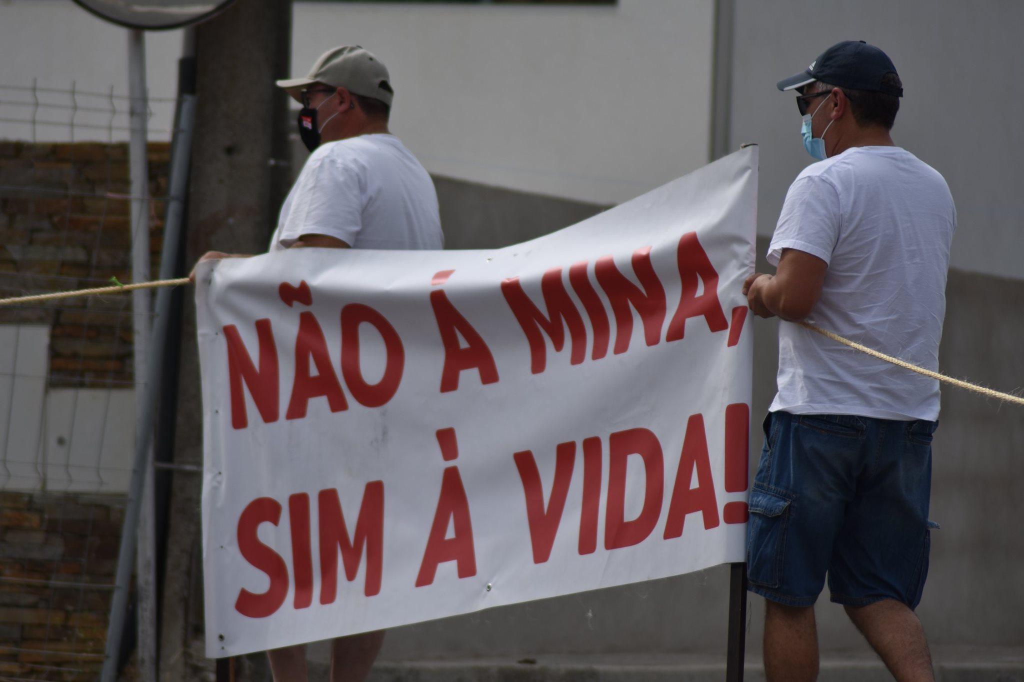 Movimentos portugueses e espanhóis contra a exploração de lítio na Serra da Argemela