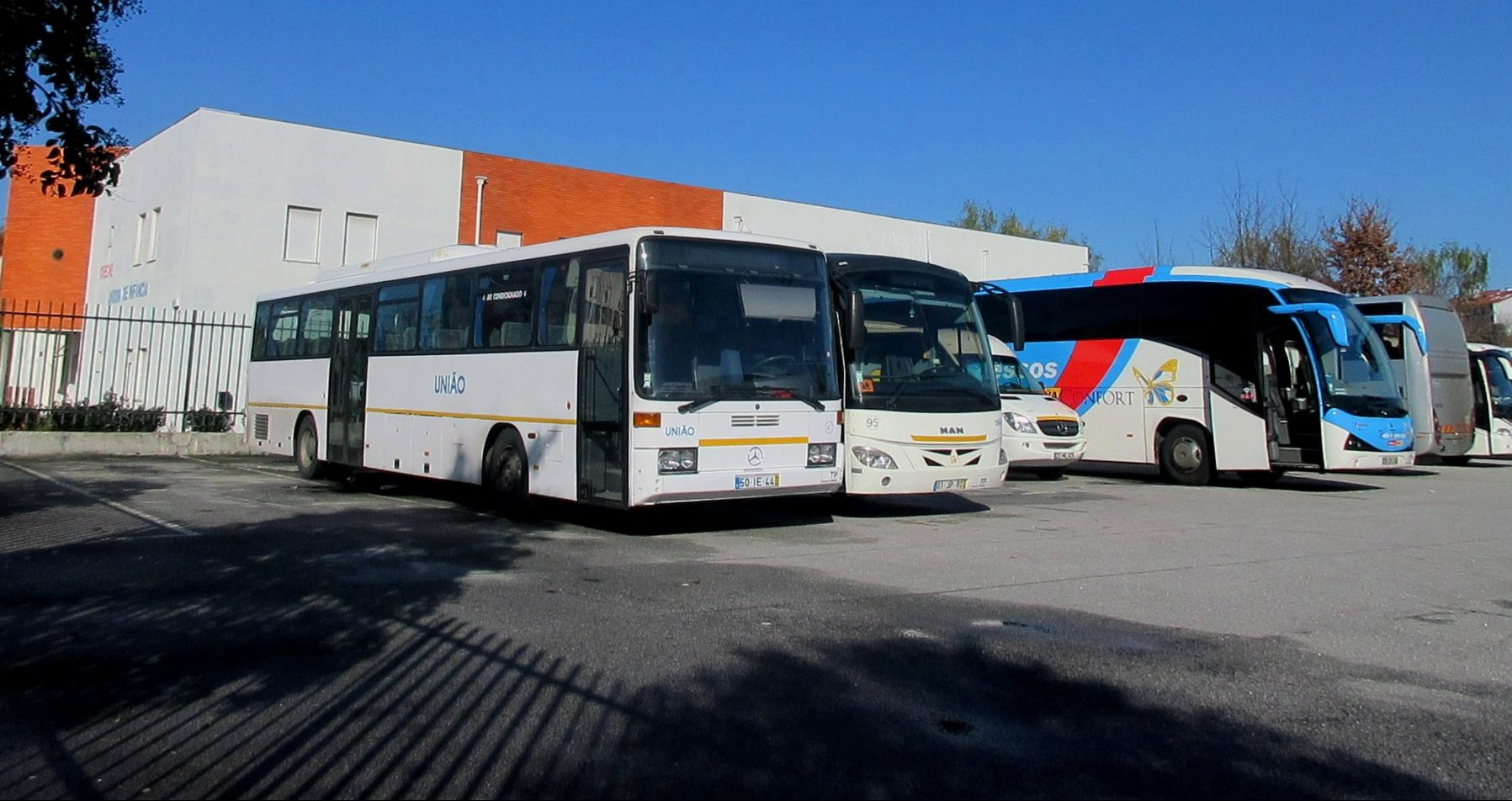 População de Boaldeia, Farminhão e Torredeita descontente com ligações de autocarro