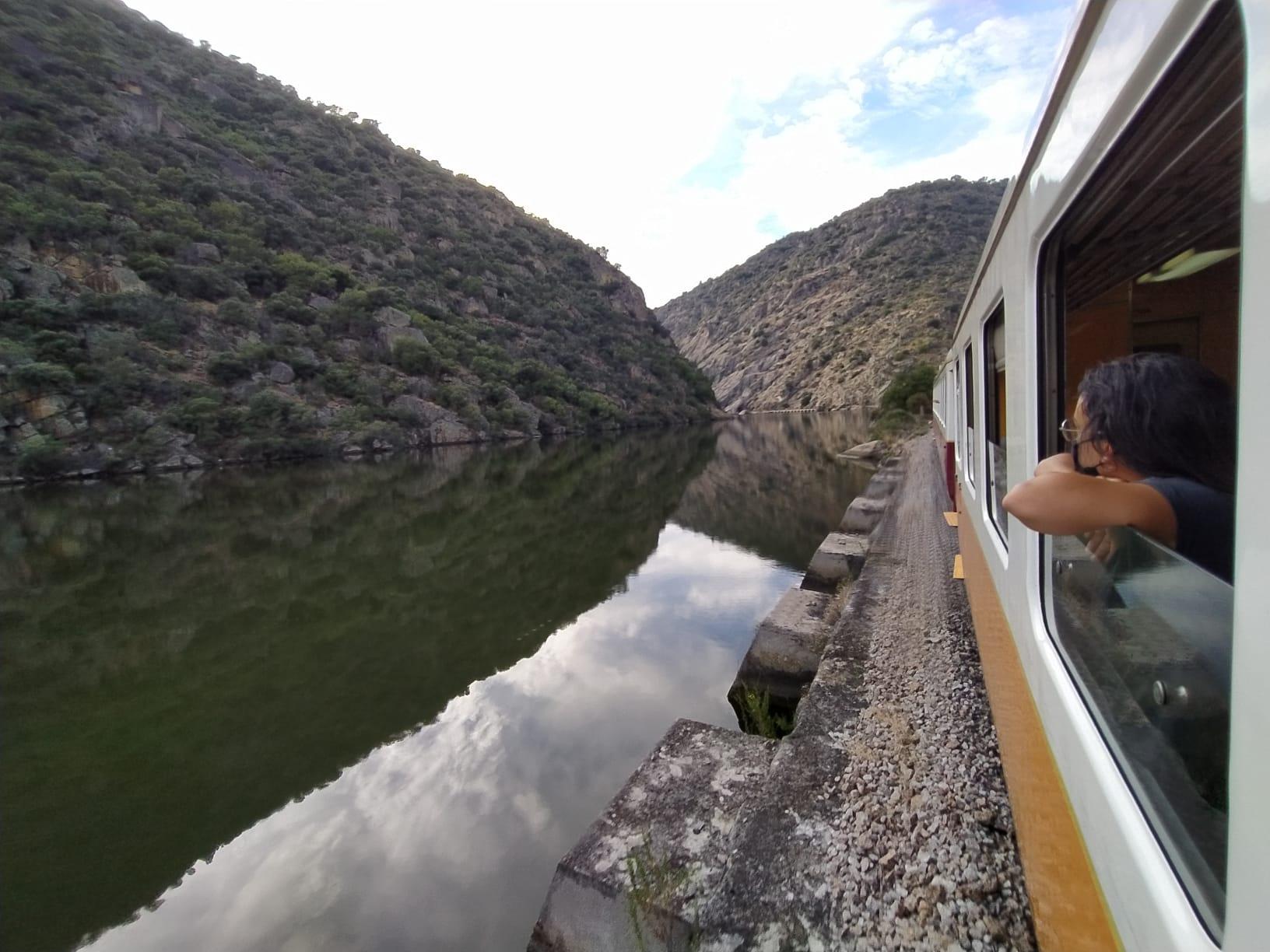 Bloco questiona Governo sobre o reforço do investimento na linha do Douro