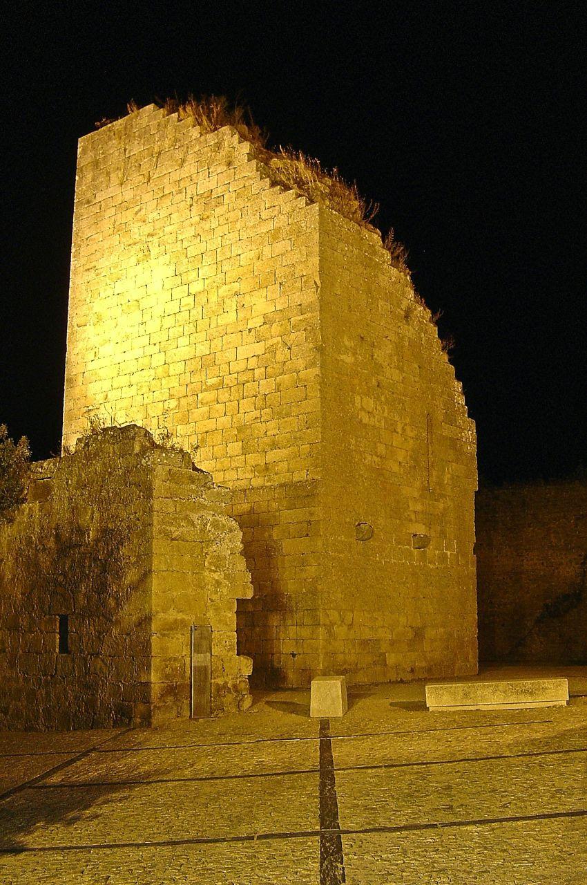 Sete esqueletos de 1762 foram encontrados no castelo de Miranda do Douro