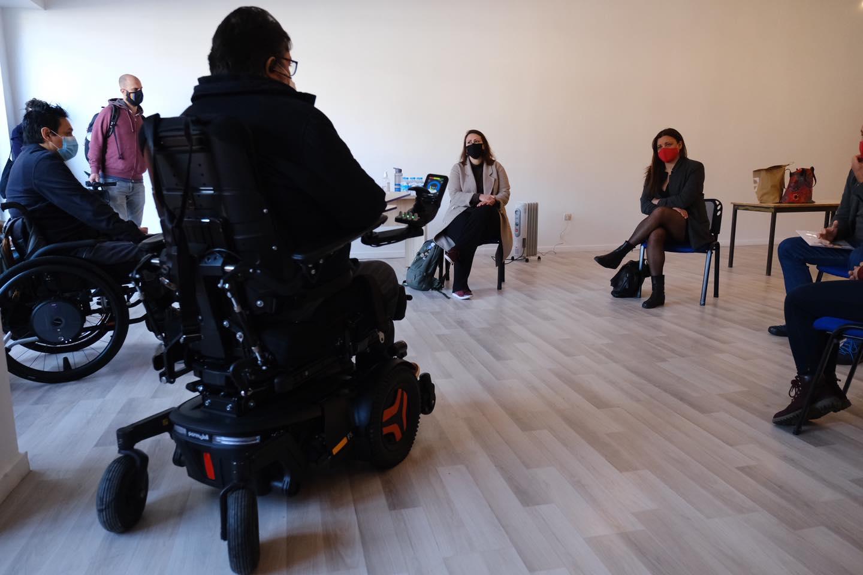 Não há respostas concretas para as 870 pessoas com deficiência que estão em projetos piloto