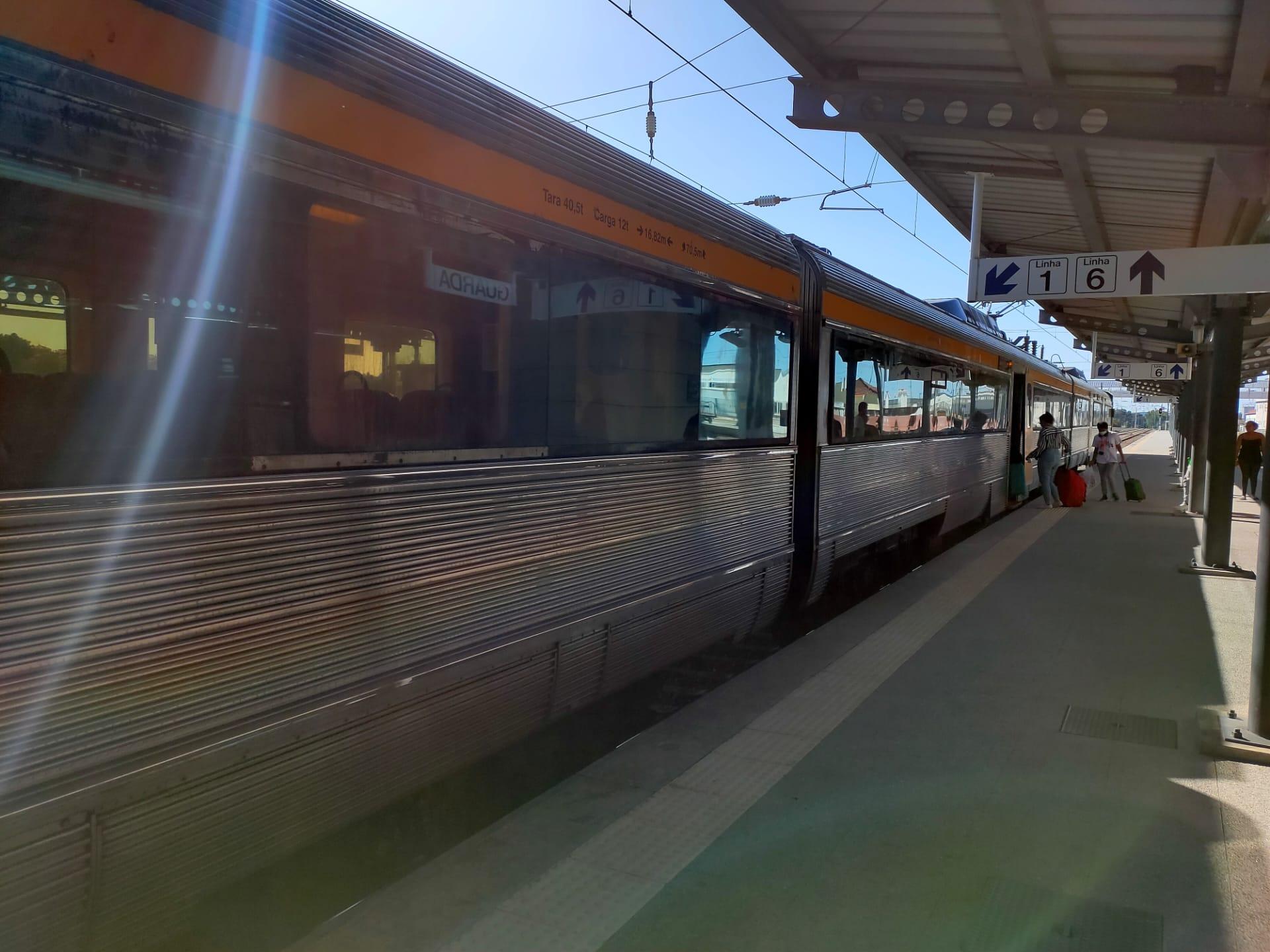 Ligação ferroviária entre Guarda e Covilhã reabriu este domingo