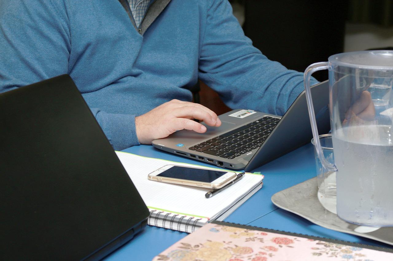 Sindicato exige aumentos salariais para os trabalhadores da Randstad nas Telecomunicações