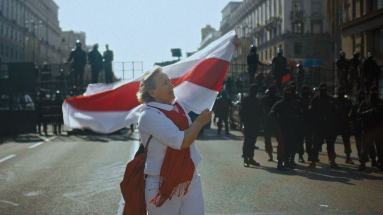 """Trailer de """"Courage"""", documentário sobre os protestos na Bielorrússia em 2020"""