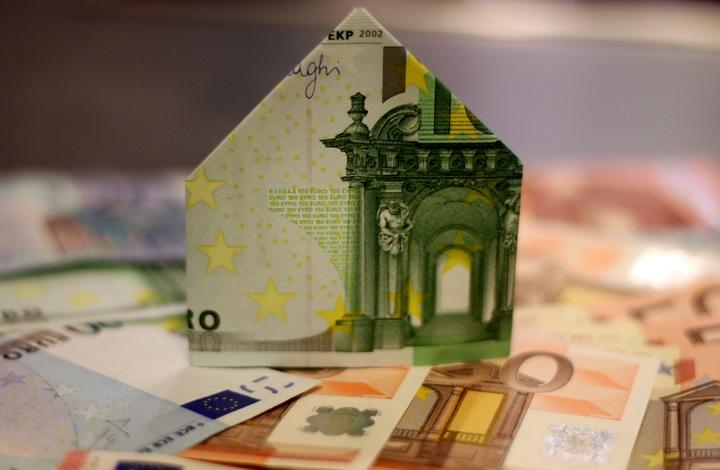 Casas/ Dinheiro