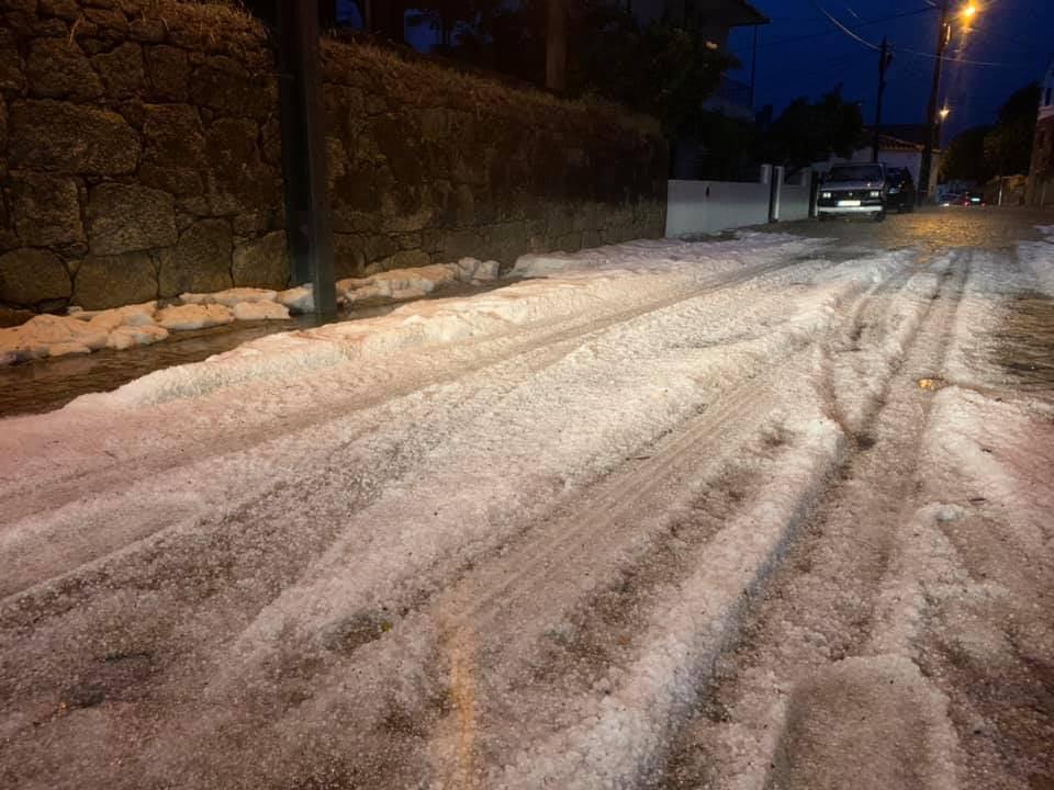 Chuva e granizo arrasam culturas e causam prejuízos no Fundão