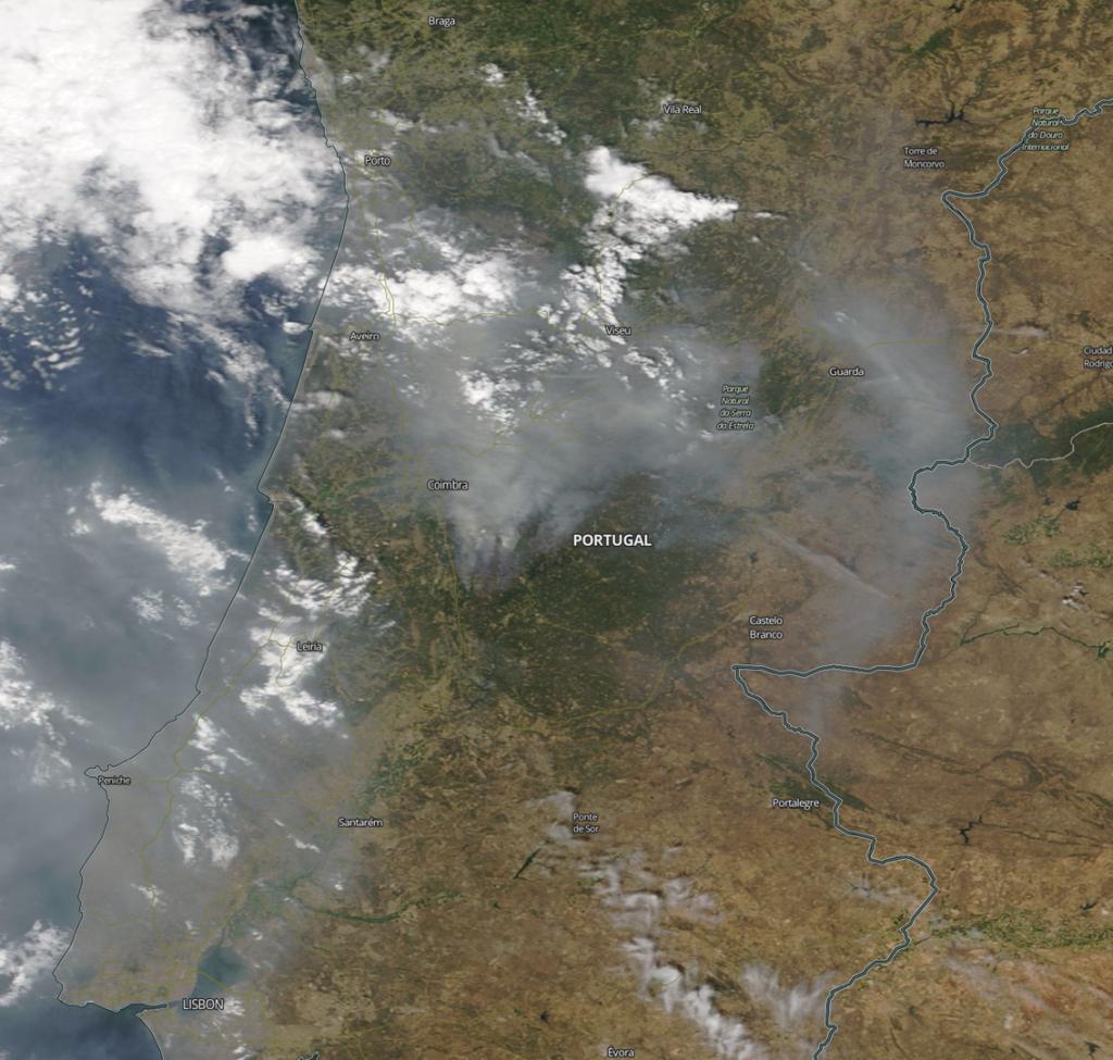 Incêndios de 18 de junho de 2017 | Foto por NASA, MODIS, Public domain, via Wikimedia Commons