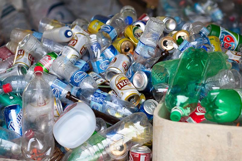 """Bloco acusa Governo de """"submissão aos interesses do mercado"""" na gestão de resíduos"""