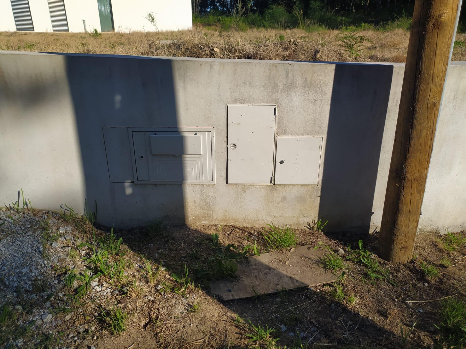 Casas em Tondelinha sem água e saneamento